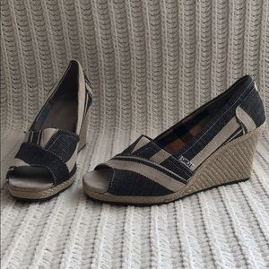 Toms peep-toe wedges